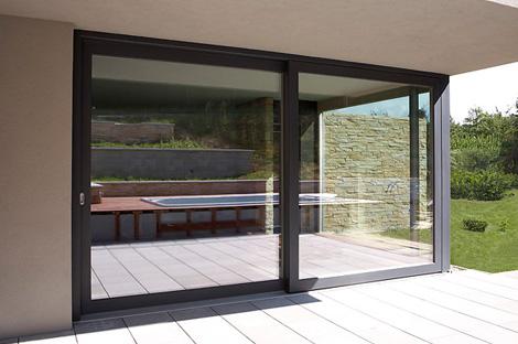 Dřevohliníková okna a dveře
